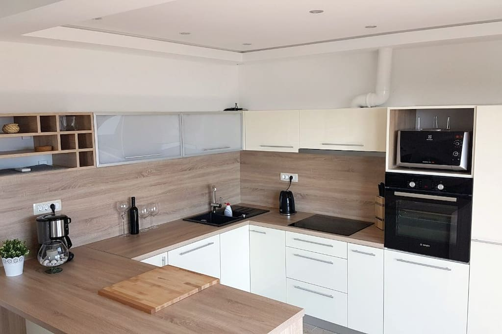 Kitchen with a view - this new fully equipped kitchen will certainly inspire you get cooking