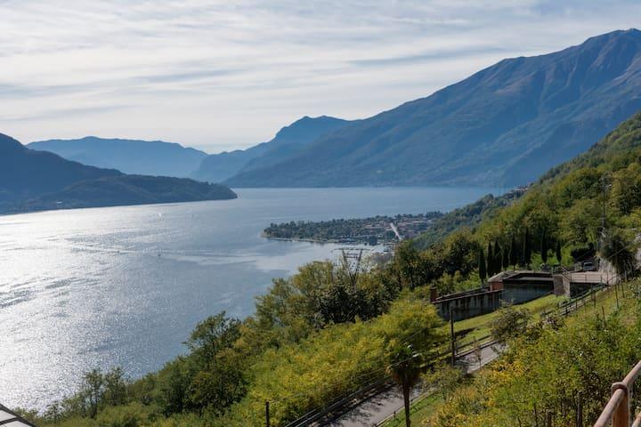 Bilocale con vista lago in zona soleggiata!! - Aurogna - Daire