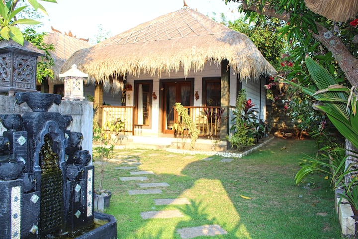 Authentic Balinese Cabin by Balangan Beach town
