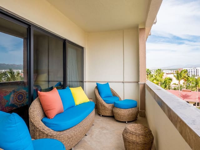 SPECIALS include BREAKFAST!   Lovely 2BR/2BA CONDO Located Between Downtown CABO and MEDANO BEACH!