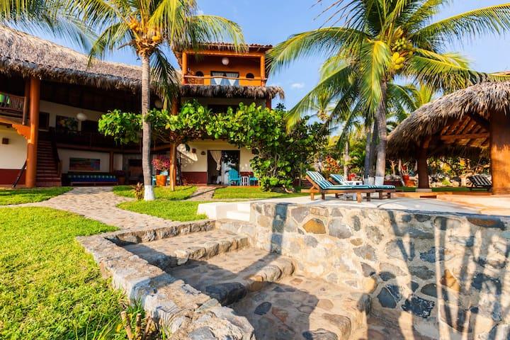 Casa Manzanillo, Your vacations home. - La Unión - Bed & Breakfast