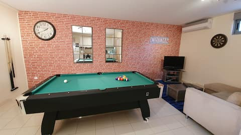 Pool Table in Modern 50sqm Apartment!
