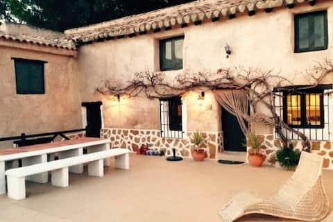 Attractive Villa in Montefrio with Private Swimming Pool