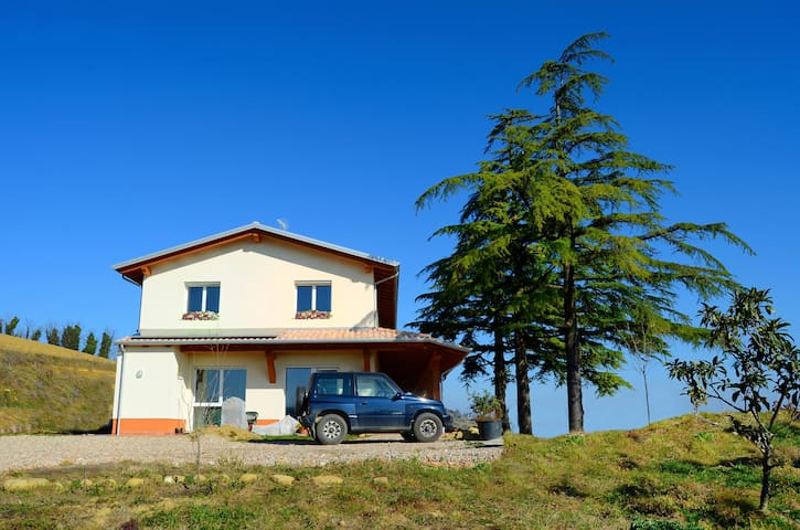 B&B with amazing views of the Adriatic/Apennines