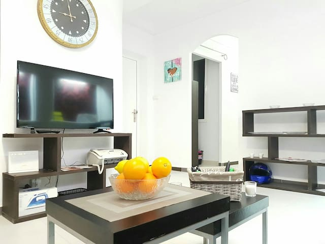 ROOM IN THE HEART OF ALICANTE WITH BREAKFAST - Alicante - Byt