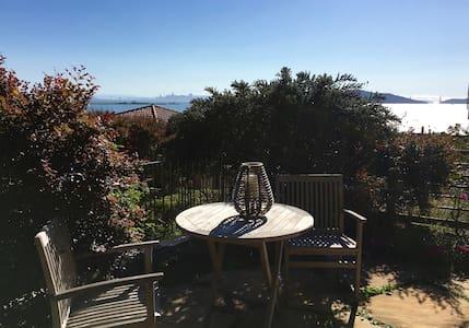 Brand New Studio Garden  Apartment--stunning views - Richmond - Lejlighed
