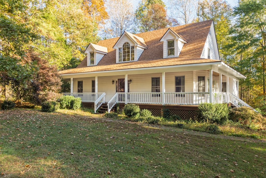 Great wooded setting. Very quiet with lots of nature and animal life.