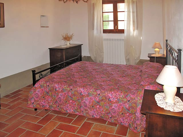 Apartment Podere Le Colmate for 6 persons