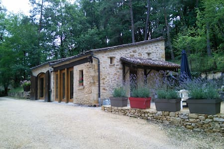 New! Salamandre. Pool open & heated from 6th april