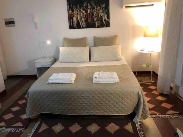 Mini appartamento centro di Catania P.zza G. Verga