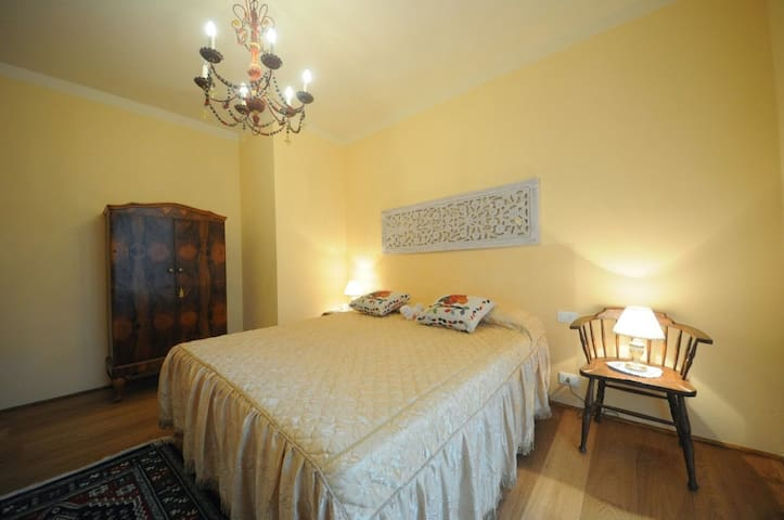 B&B Bellosguardo - bedroom 1 - Casale - Bed & Breakfast
