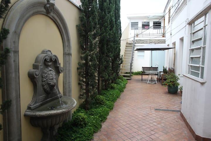 Apartment in Mediterranean courtyard