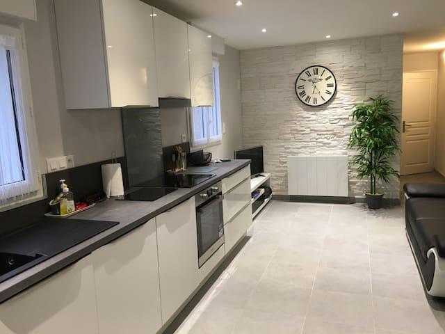Appartement rez-de-chaussée pour séjour et cure