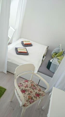 Doppelbett 1,60x2,00