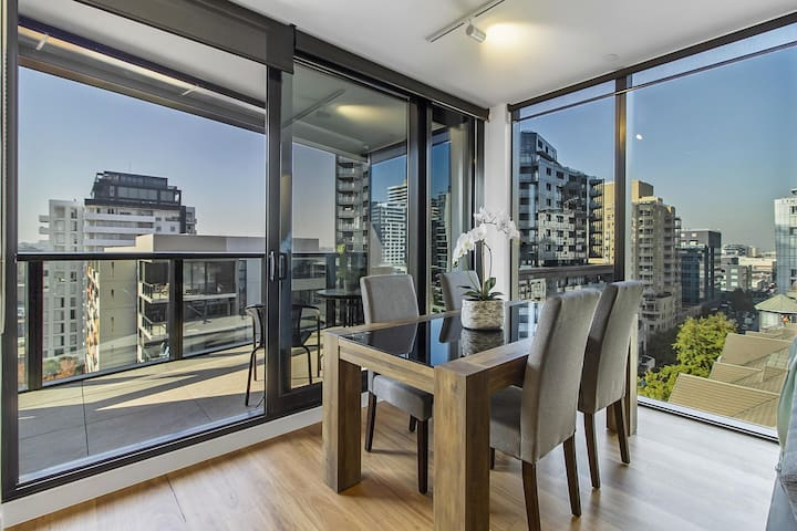 Brand New Luxury Pad in Shopping and Dining Mecca