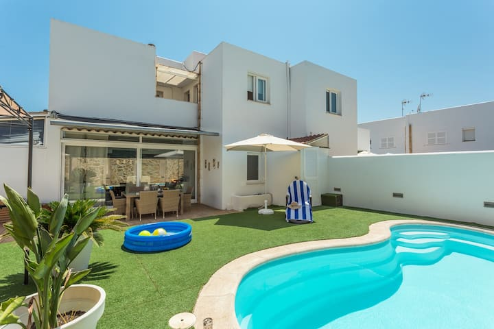 Modern and Comfortable Semi-Detached House in a Quiet Residential Area of Cala d'Or
