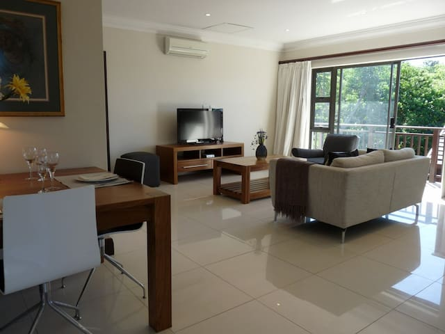 Luxurious, private & secure apartment - Dolphin Coast