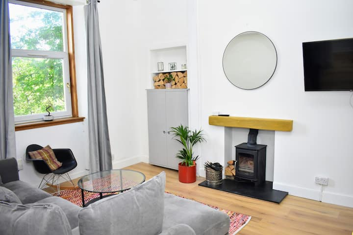 Homely Edinburgh Retreat Close to the Seaside!