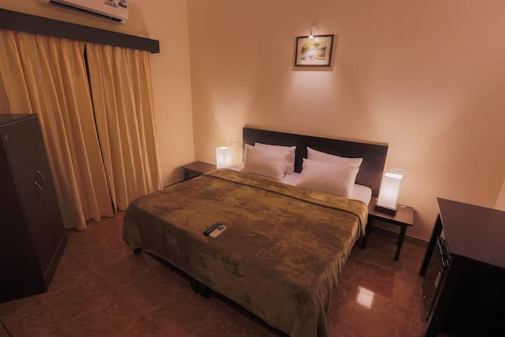 QUEENS ROOM@PINNACLECOUNTRYSIDE SALIGAO GOA