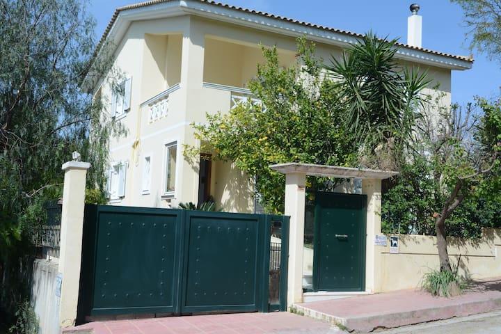 Summer family house - Rafina - Casa