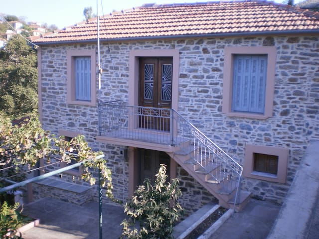 Traditional House at Lafkos, South Pelion - Lavkos - House