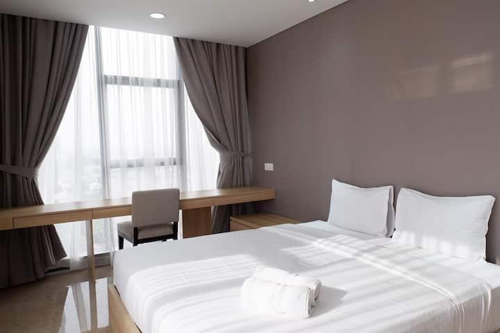 Premium Suite 2BR L'Avenue Apartment