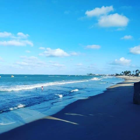 Casa de praia rústica: natureza e tranquilidade.