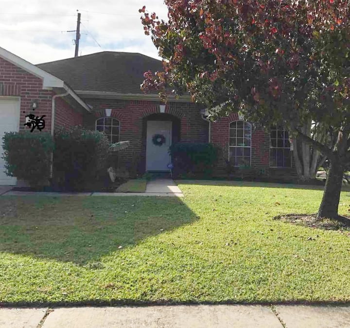 Private bd/ba off HWY 6/Cypress/Katy/