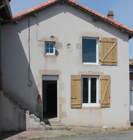 Studio 2-3 personnes, à10 min (12km) du Puy du Fou