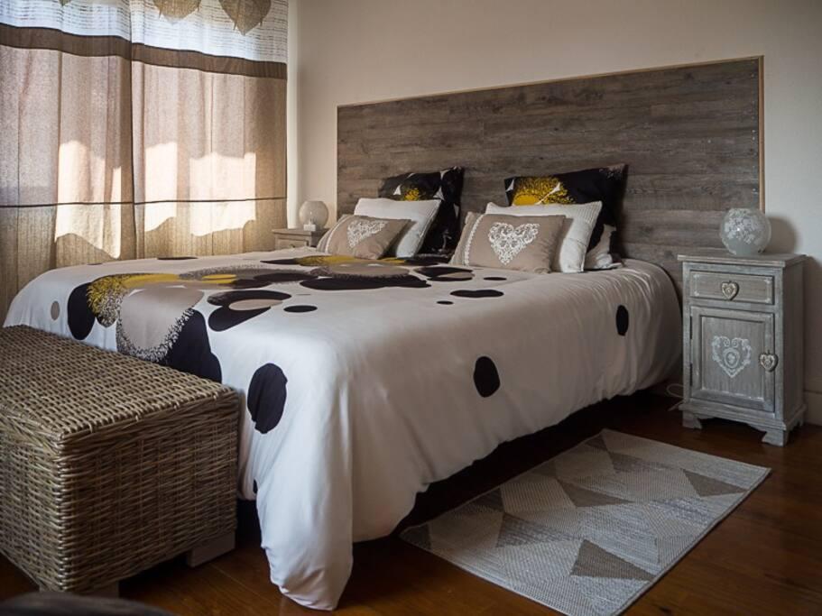 1 lit kingsize pouvant être séparé en 2 lits simples
