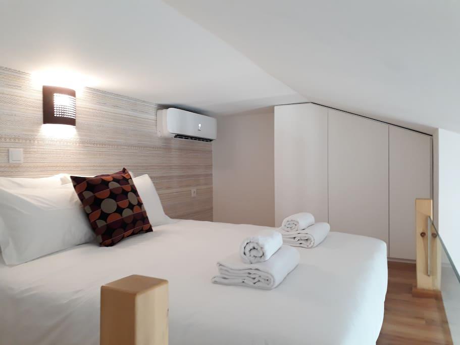 Bedroom - Low ceiling Mezzanine