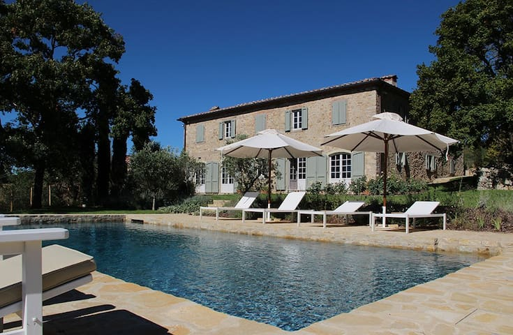 Villa Gaiole outstandingvillafor10guets