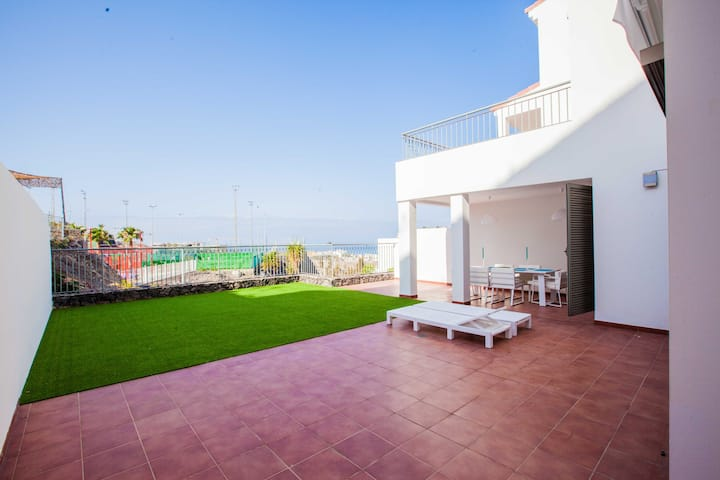 Luxury 2 bedroom apt. La Caleta, Costa Adeje