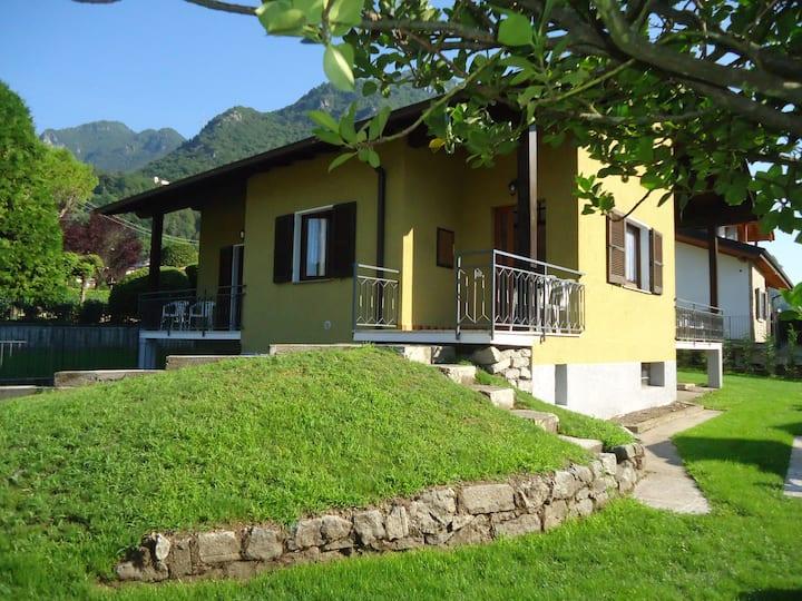 Casa Giulia- sonnige Lage, 100m zum See, 6 Pers