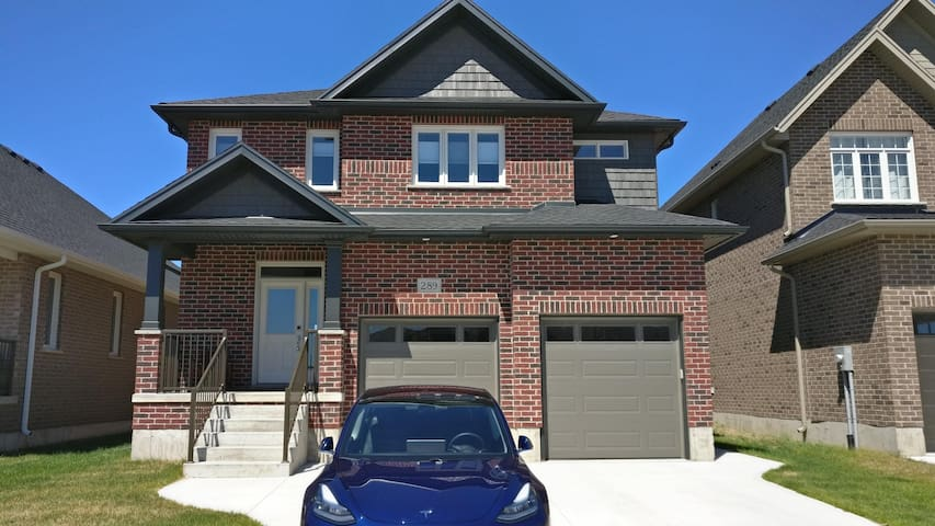 Executive Home in Port Elgin