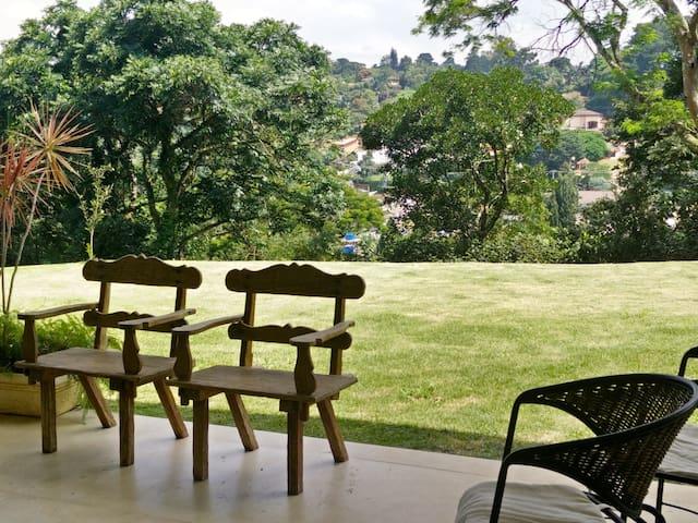 Suítes em Condomínio na Granja Viana - Carapicuíba - Talo