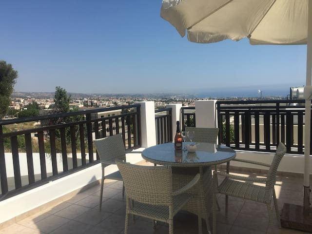 Paschali Hills Studio Apartment (Peyia Village)