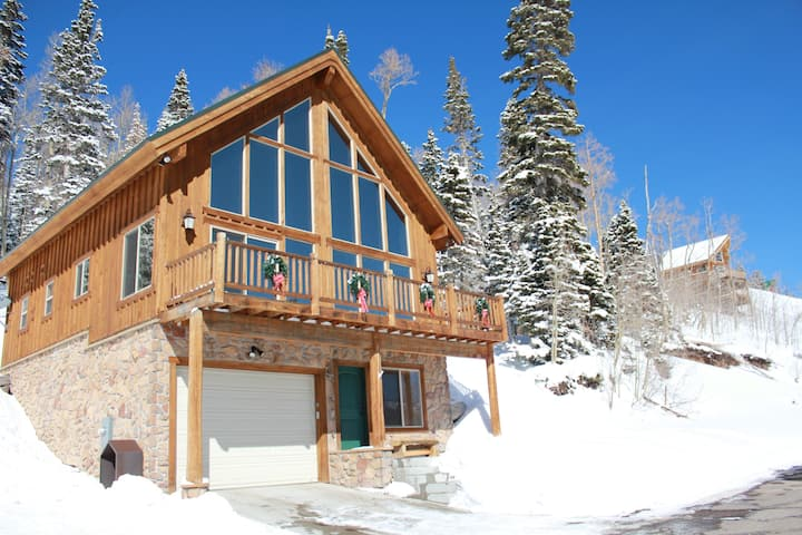 4 BDRM, 5-Star Rated Home w/ Spectacular Views