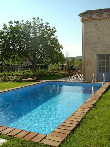 Georgous Istrian stonehouse sharing private pool. - Stranići kod Lovreča - วิลล่า