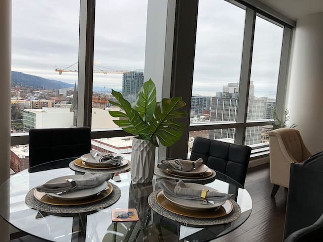 Heart of Downtown Elegance with Fantastic Views!!