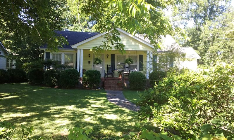 Classic Southern Bungalow near Silver Comet Trail - Cedartown - Hus