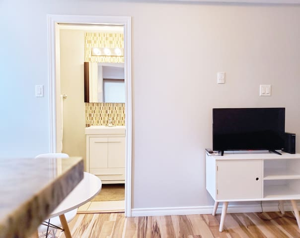 [Byward Market] Best Location one bedroom suite