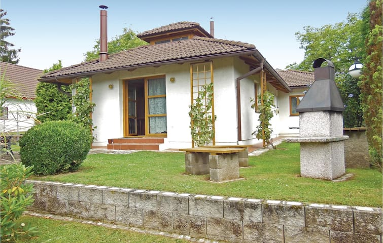 Holiday cottage with 3 bedrooms on 95m² in Velke Popovice