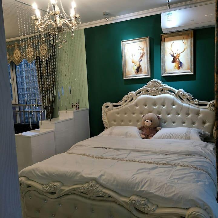 石臼海鲜市场对面温馨一居室出租