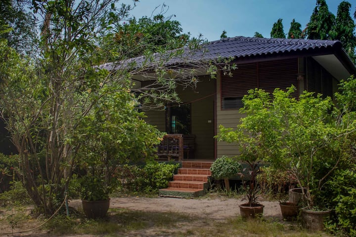 Cute Charming Bungalow in Garden with Shared Pool