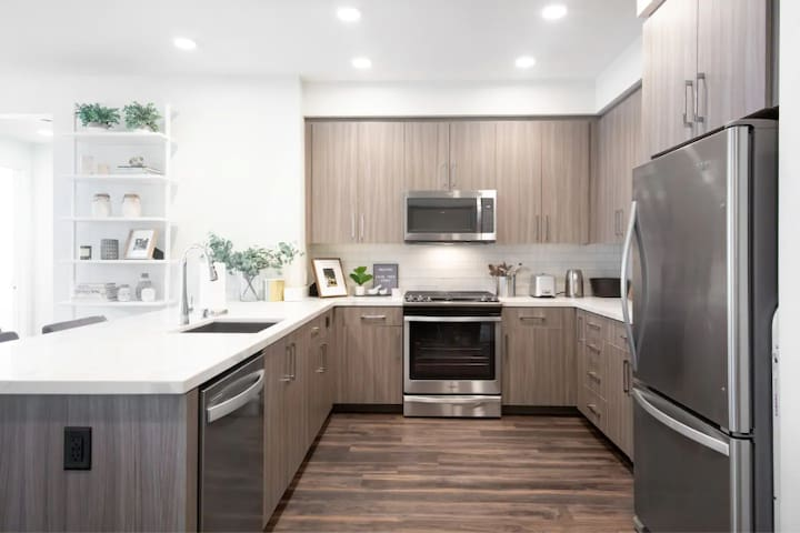 Designer 1BR in Downtown Sunnyvale
