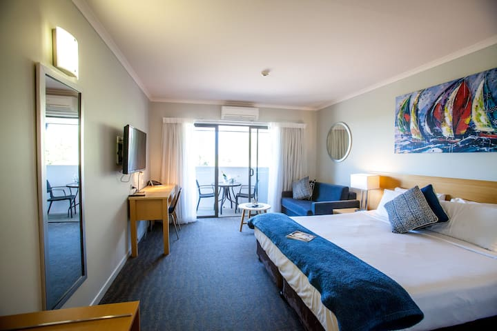 Manly Marina Cove Motel - First Floor Studio Room