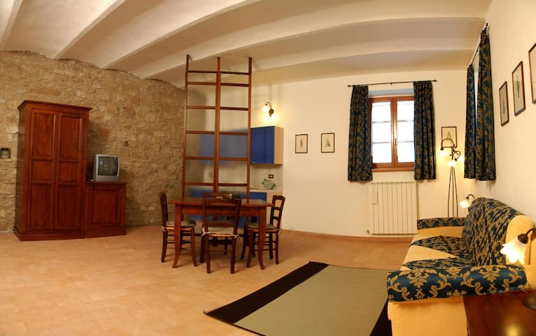 Studio Flat with pool 6 km from Perugia