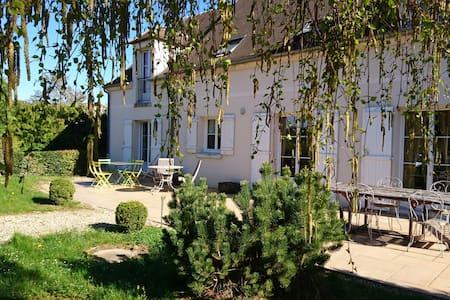 Chambres d'Elisabeth près de Senlis et Paris