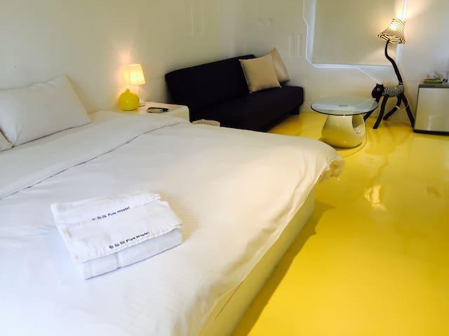 墾丁希臘風面海雙人有浴缸-黃